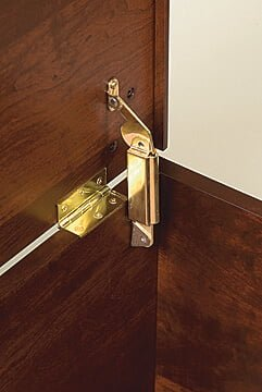 Oak Cherry Hinge